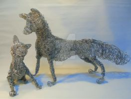 Fox and Cub Wire Sculptures by GillHolland