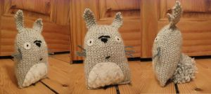 Knitted Totoro nugget by LittleAi