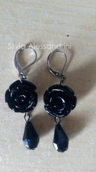 Black roses and drops earrings by SilvieTepes