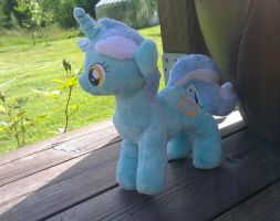 Lyra mini plushie by Epicrainbowcrafts
