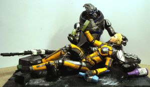Mass Effect 3 - Shepard and Garrus sculpture by virtualmorrigan