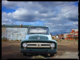 Old Ford Truck in Guntown by yankeedog