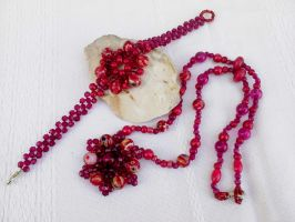 Red Glass beads necklace and bracelet by Mirtus63
