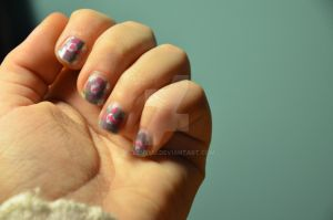companion cube nails by AllenYuu