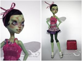 MH CAM Gorgon OOAK doll repaint 4 by kamarza
