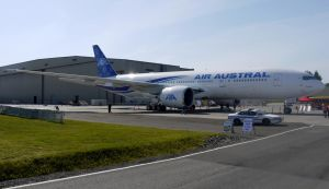 Boeing 777 Air Austral by shelbs2
