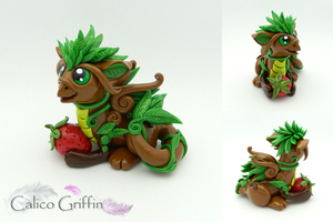 Shinrin the forest keeper griffin by CalicoGriffin