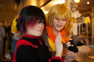 RWBY - Alcoholics Anonymous - Yang Stahp! Plez! by faramon