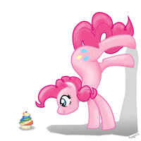 Pinkie wants her muffin by Mozgan