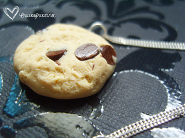 Cookie Dough Necklace by bruisepristinex