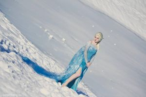 Elsa of Arendelle the Ice Queen by lilie-morhiril