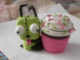Gir with Cupcake by Hobbesgirl