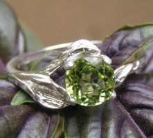Sylvan Leaves Ring with Peridot by Izile