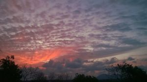 A beautiful and charming sunset sky by VerdePolpo