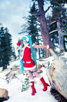 Miku Enjoying Snow by vensii