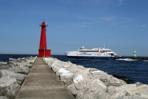 Muskegon Light Station by olearysfunphotos