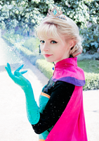 Elsa Coronation Day Cosplay by PeachMilktea