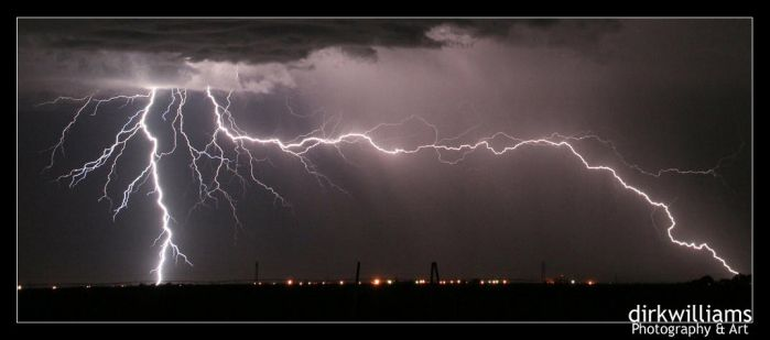 Lightning cropped by dirkwilliams