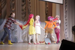 MLP Cosplay: Cutie Mark Crusaders Go Crusading by GeiYin