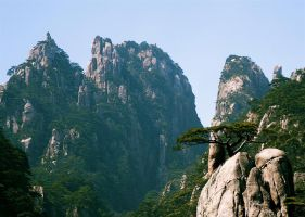 Huang Shan by Mikewen