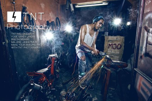 in garage by KFT-Andri