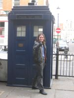 Femme Ninth Doctor and the TARDIS I by aragornsgirl333