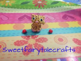 A leopard and two ladybugs :) by Sweetfairytalecrafts
