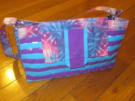 Duck tape hand bag 2 by recycledrapunzel