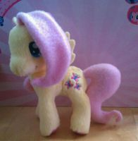 Fluttershy Funrise Plush by Uminohoshi