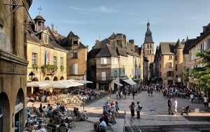 Sarlat-la-Caneda by cahilus