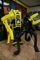 Alien and Power Loader Balloon Sculptures by DJdrummer
