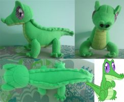 gummy plushy by Plushypuppystudio