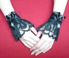 Lolita cuffs in black by Estylissimo