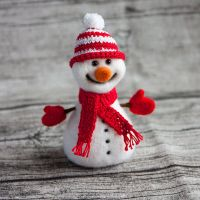 red snowman by znmystery
