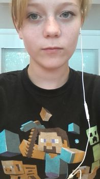 On college with mah minecraft shirt X3 by mcdaantje010