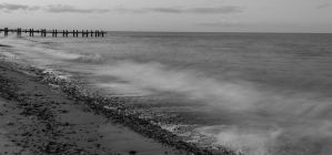 Black and White sea scene by chivt800