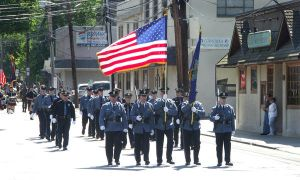 Memorial Day parade by mfr751