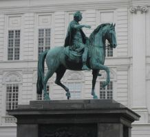 Statue in Vienna by TiZa
