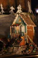 Gingerbread house by sparkyluvrebogin