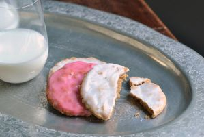 Milk And Cookies by MailleQueen