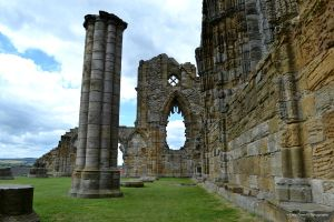 Whitby Ruins by Lady---Vengeance