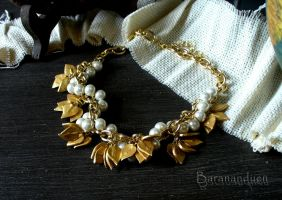 Necklace - Bunches of Golden Leaves by barananduen