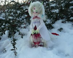 Isis the Rose mage in the snow by sbslink