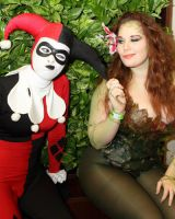 DCC Harley and Ivy - Leggo, Red! by Enasni-V