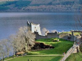 Urquhart Castle denuded by piglet365
