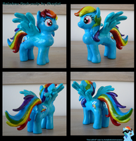 Dashie sculpture by Chagial