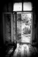 Old house inside unlocked door by AdaSquatters84