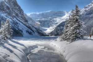 Lake Louise by zemrude