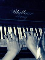 Piano Playing by elooly