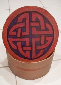 Short Red Celtic Box 1 by DeRozMa-Orignals